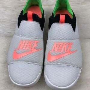 Nike Benassi SLP Low Top Slip On Running Shoes 14
